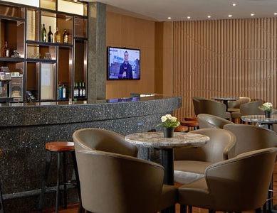 Refurbished Plaza Premium Lounge ? Al Dhabi opens at Abu Dhabi International Airport