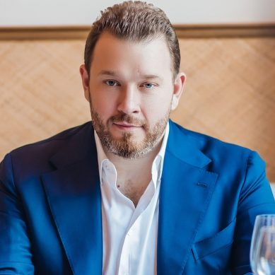 Bulldozer Group's Evgeny Kuzin awarded a UAE Gold Card Visa