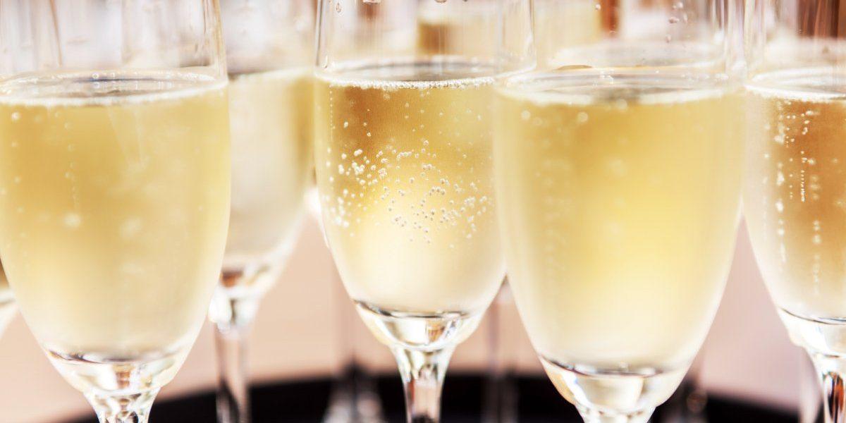 champagne-instagram-captions-header-122618
